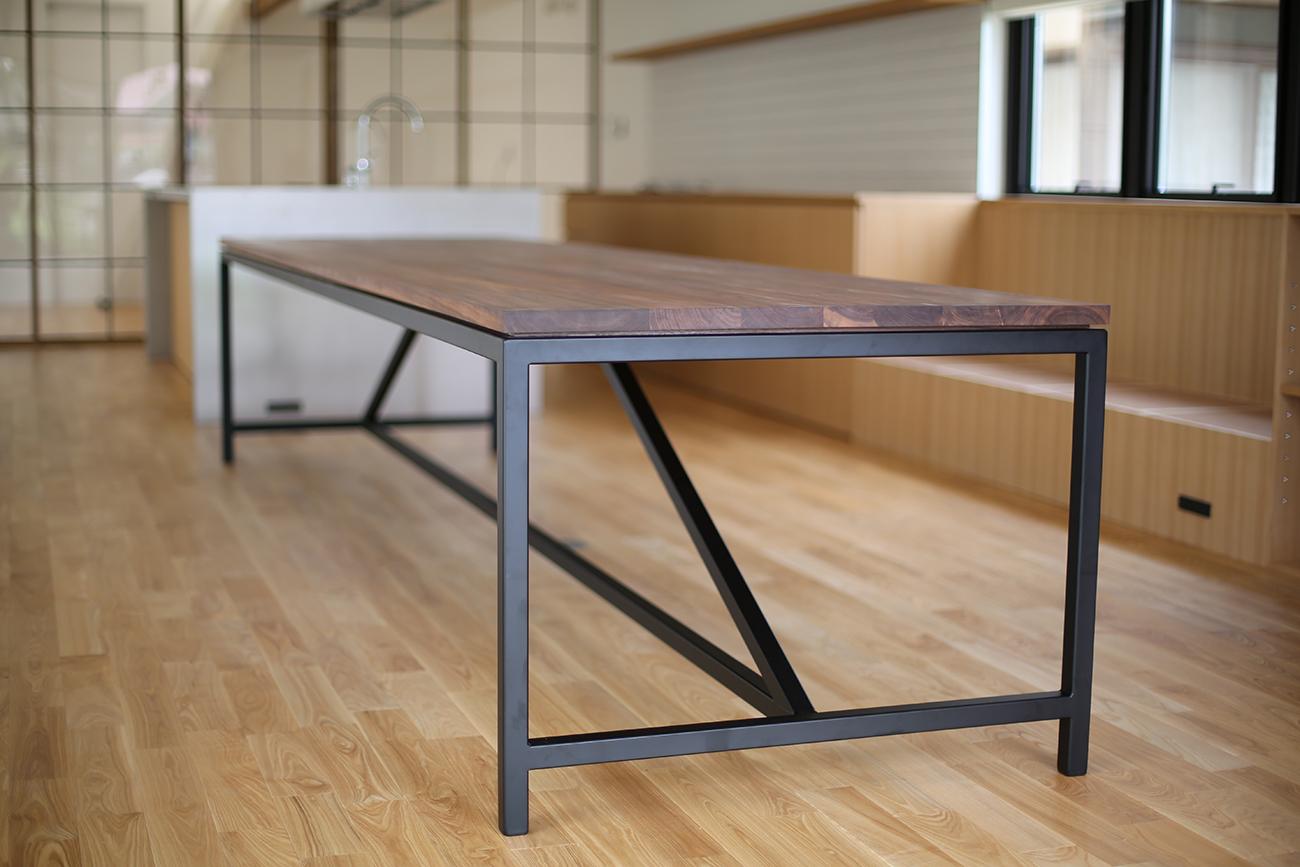 Iron leg for custom long table